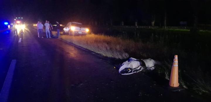 05112018 fatal Elías Colussi cuerpo y camioneta de Vénica.jpg