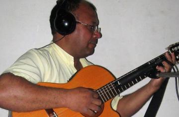 Gerardo Flores policia allanado 22012019.jpg