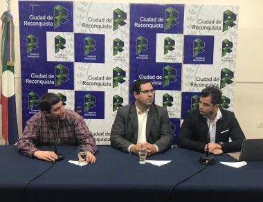 thumbnail_El Intendente Enri Vallejos anunció una baja en los tributos a los vecinos cumplidores (2).jpg