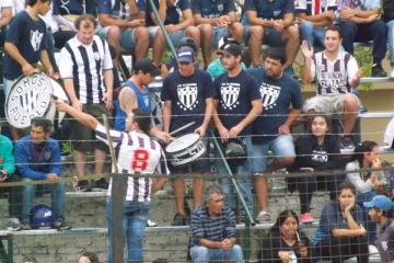 futbol hinchada Matienzo 6 mayo 2018.jpg