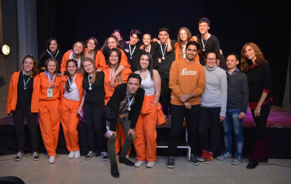 Los jóvenes subieron al escenario: El teatro tuvo su día en la Estudiantina de Reconquista.