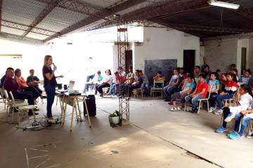 Jornadas de concientización vial junto a familiares de víctimas de accidentes de tránsito en escuelas de Reconquista.