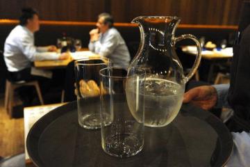 agua-restaurante-k2BC-U50141269481508C-624x385@El Correo.jpg