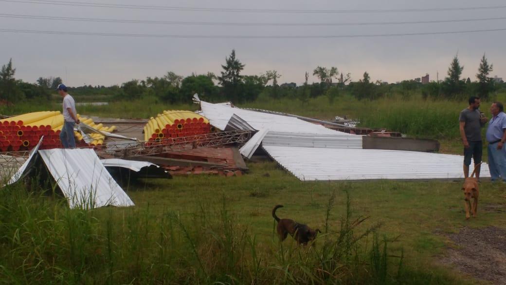 15122019 temporal destrozos parque industrial Avellaneda CAÑOS del GASODUCTO al desnudo.jpeg