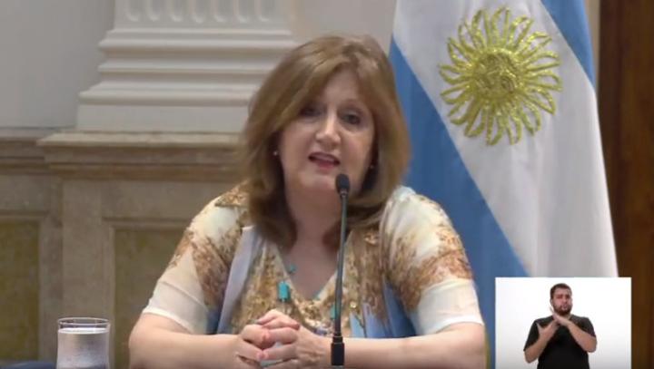 28032020 Adriana Cantero ministra de educación.jpg