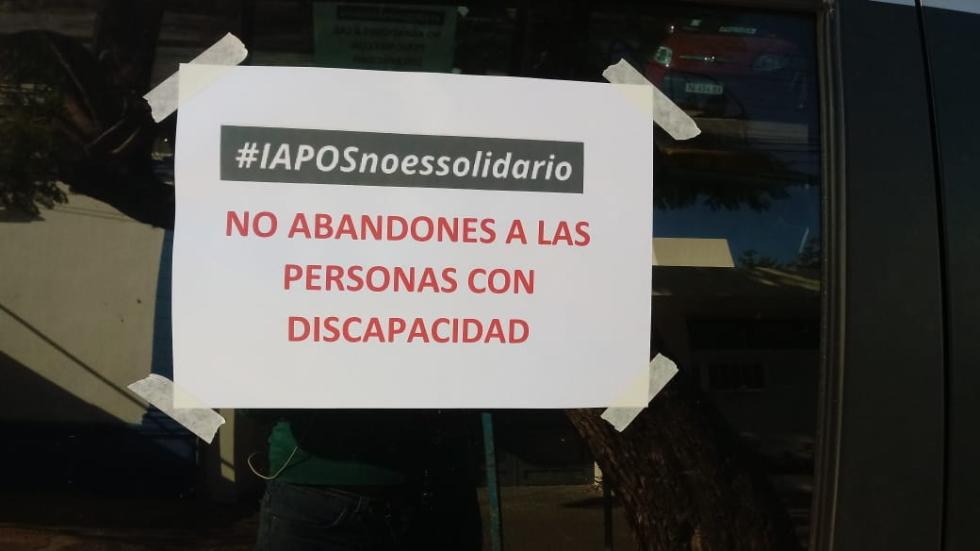 Bocinazo en denuncia a IAPOS.