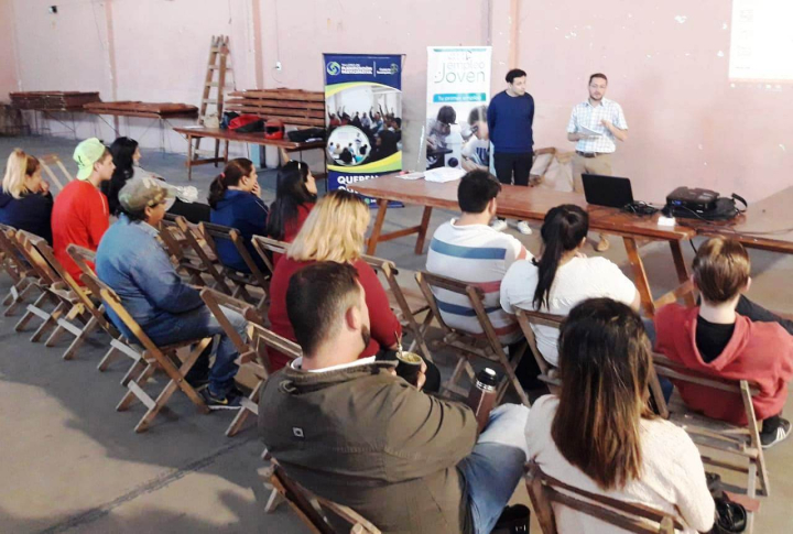 Taller de apoyo a la búsqueda de empleo para jóvenes de San Jerónimo del Rey, Lanceros del Sauce y Don Juan (1).jpg
