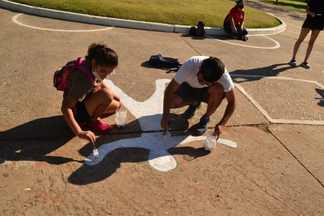 Norte Amplio por los Derechos Humanos pintadas en plaza 25 de mayo Marzo 2021 E.jpg