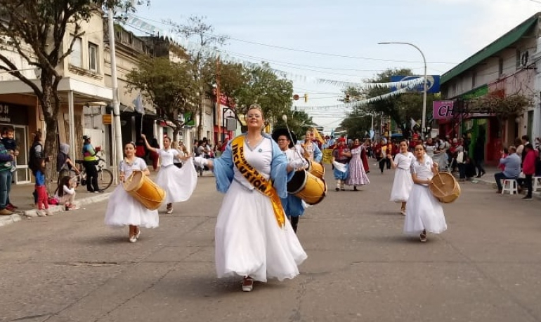 09072019 desfile danzas.jpg