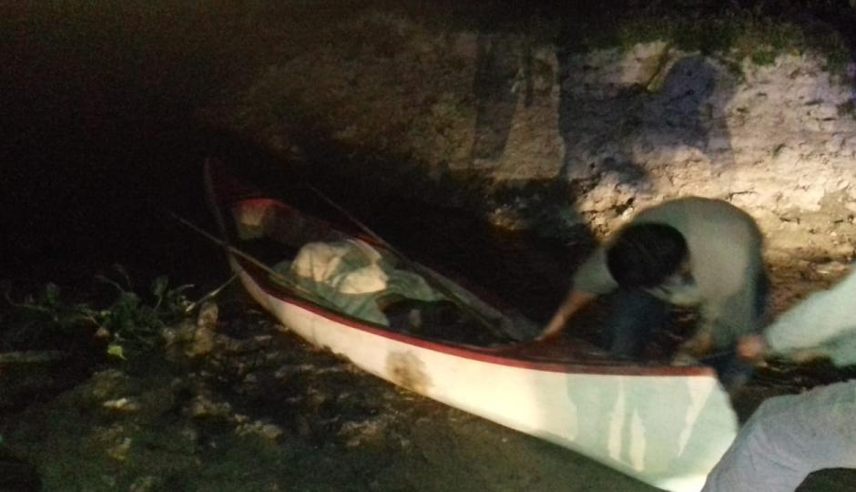 Investigan en que circunstancia murió el pescador que recibió el disparo de una escopeta.