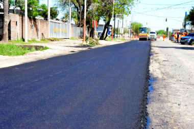 Comenzó la pavimentación de Calle 47 al este (2).jpg