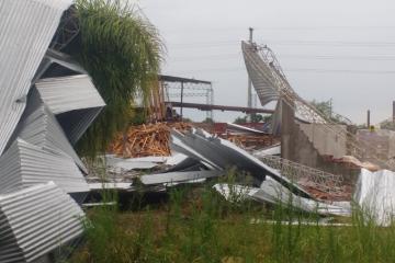 15122019 temporal destrozos parque industrial Avellaneda E.jpeg