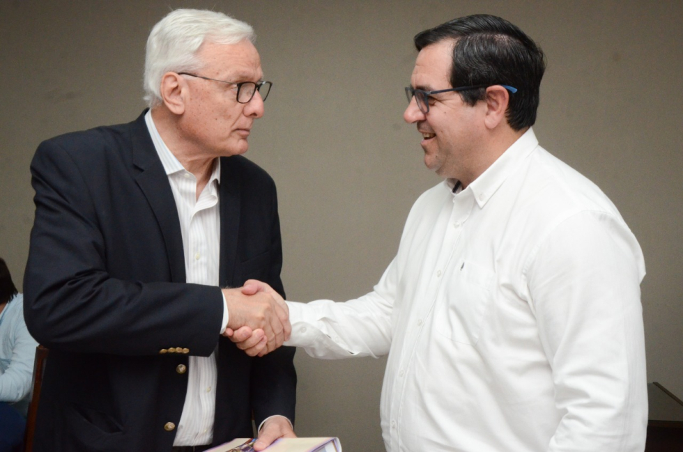 23122019 Carlos Parola ministro de salud y Enri Vallejos.jpeg