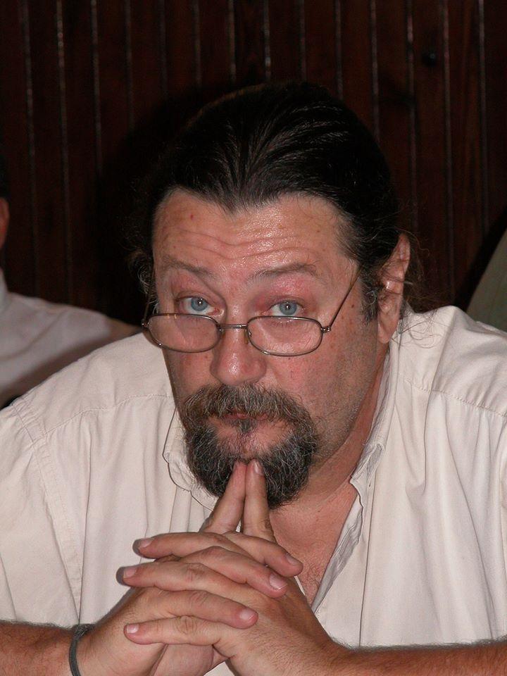 Ricardo Mascheroni doc univ periodista y escritor pp.jpg