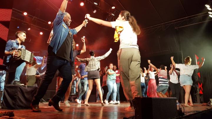 10012020 Festival Moussy Indio Rojas bailando B.jpeg