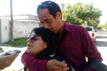 Evelyn Lencina, mamá de Adrían y Carlos Daniel Vicentin, padrastro del niño.