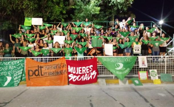 Reconquista también fue parte del 19F reclamando por el aborto legal. Aquí podés revivir en videos lo que sucedió en la plaza mayor de la ciudad.