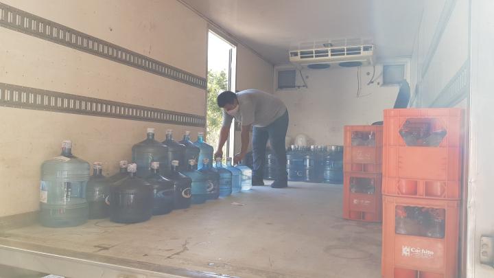 20200619_155629 soda cachito y agua cristal reparto logística.jpg