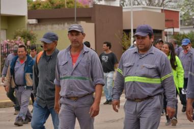 trabajadores-1-696x464.jpg