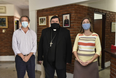 con el obispo.jpeg