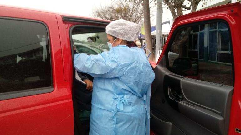 vacunatorio platense porvenir en auto.jpeg